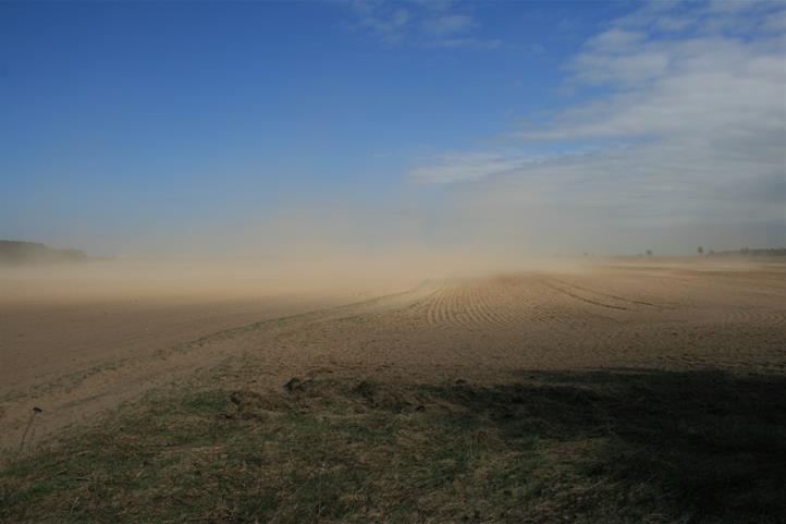 Wind erosion processes influence the long-term carbon balance of soils! | Quelle: © Dr. R. Funk.