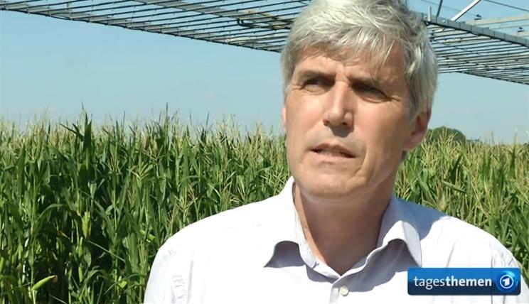 Prof. Fran Ewert im Interview mit ARD Tagesthemen